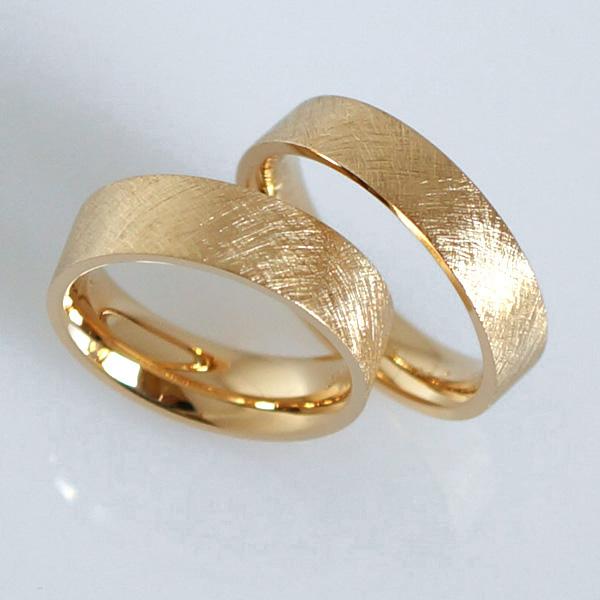 ... in Gold Platin individuell hergestellt Goldschmied Kaufmann Olten